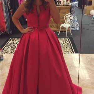 Tiffany fucia pink ball gown